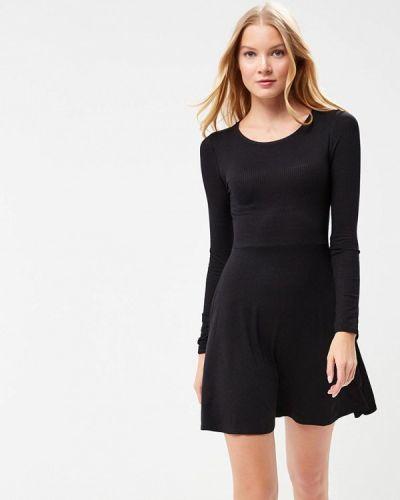 Черное платье с длинными рукавами Jennyfer