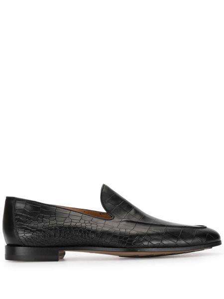 Черные лоферы из крокодила на каблуке с тиснением Magnanni