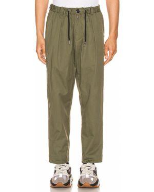 Klasyczne zielone spodnie klasyczne bawełniane Drifter