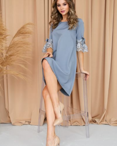 Ажурное прямое с рукавами платье Ellcora