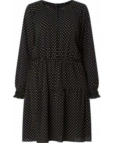 Czarna sukienka z falbanami Vero Moda Curve