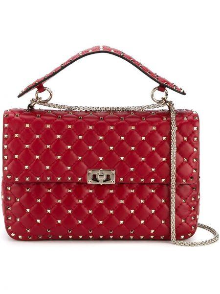 Красная сумка на цепочке с шипами на молнии металлическая Valentino