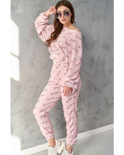 Różowy dres materiałowy Roco