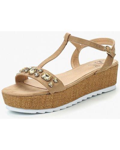 Бежевые сандалии замшевые Kylie