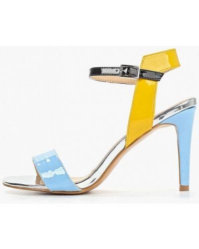 Босоножки на каблуке кожаные лаковые Sergio Todzi