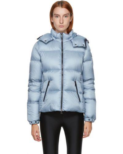 Puchaty pikowana płaszcz z kołnierzem z kieszeniami z długimi rękawami Moncler