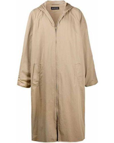 Beżowy płaszcz Balenciaga