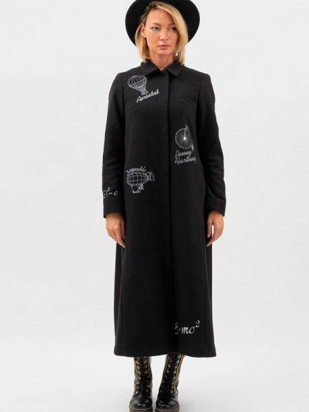 Черное пальто с капюшоном Doctor E