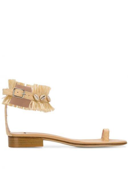 Сандалии с пряжкой на каблуке Leandra Medine