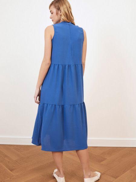 Приталенное платье миди - голубое Trendyol