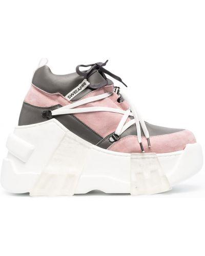 Różowe sneakersy na platformie Swear