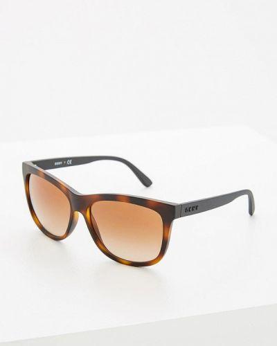 Коричневые солнцезащитные очки Dkny