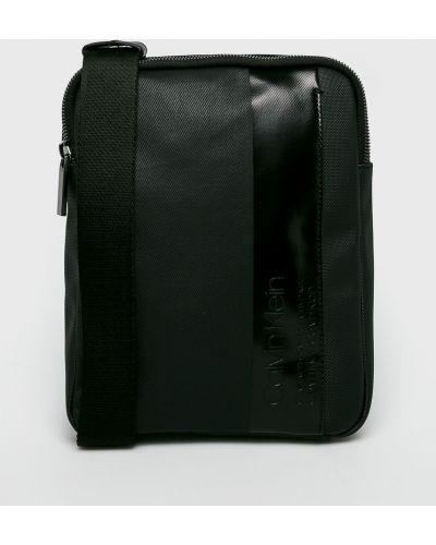 Мерцающая черная сумка через плечо Calvin Klein