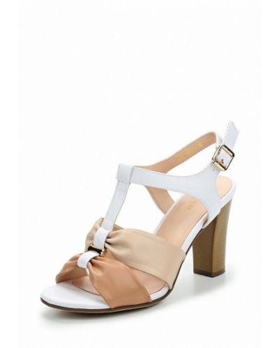 Бежевые босоножки на каблуке Zenden Woman