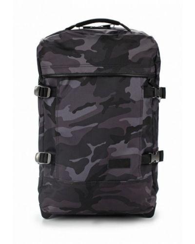 Серый чемодан Eastpak