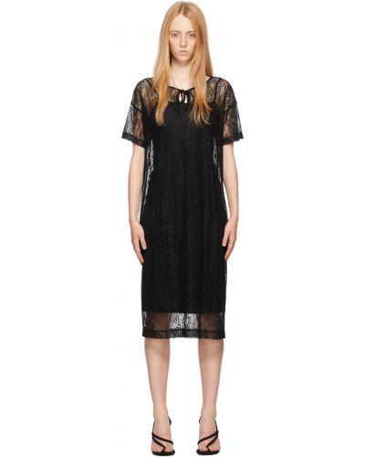 Czarna sukienka mini koronkowa krótki rękaw Saks Potts
