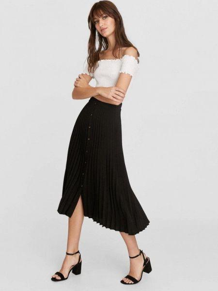 Плиссированная юбка черная весенняя Stradivarius