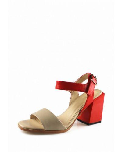 Бежевые босоножки на каблуке Blizzarini