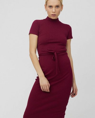 Трикотажное красное вязаное платье Cardo