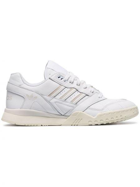 Кожаные кроссовки белый Adidas