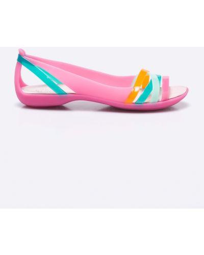 Розовые балетки Crocs