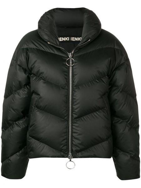 С рукавами черная дутая куртка на молнии с карманами Ienki Ienki