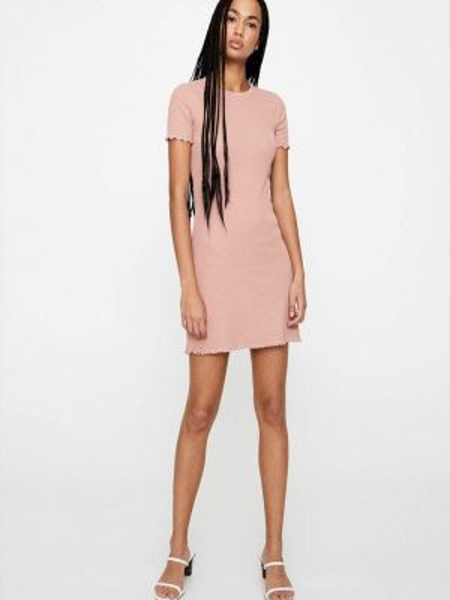 Платье розовое прямое Pull&bear