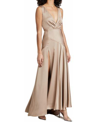 Платье для полных с декольте со шлейфом Fame And Partners