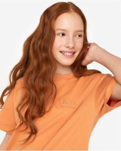 Хлопковая футболка с вышивкой с вырезом Gloria Jeans