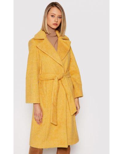 Żółty futro Silvian Heach