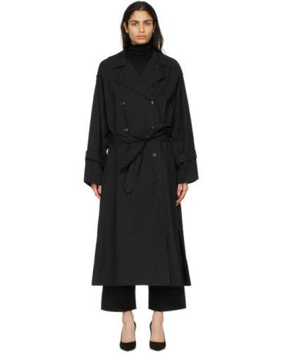 Czarny długi płaszcz z paskiem bawełniany Toteme