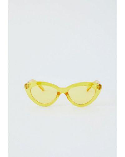 Солнцезащитные очки кошачий глаз 2019 Pull&bear