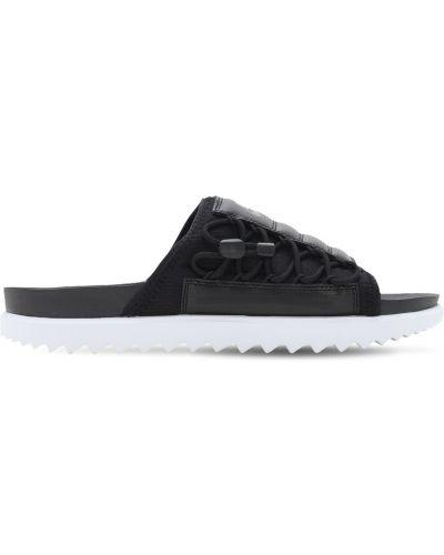 Ze sznurkiem do ściągania czarny sandały Nike