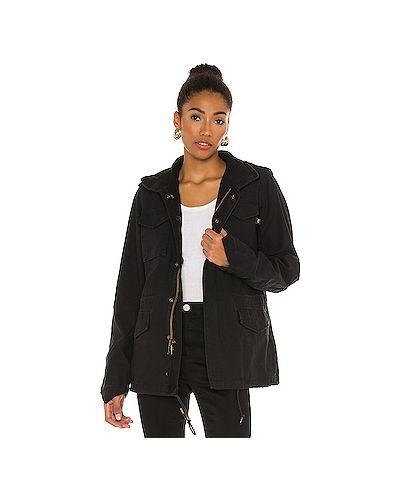 С рукавами черная куртка с капюшоном Alpha Industries