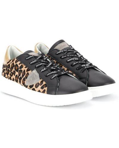 Кожаные коричневые кроссовки на шнуровке с нашивками Philippe Model Kids