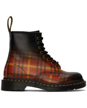 Кожаные ботинки с высоким голенищем треккинговые Dr. Martens