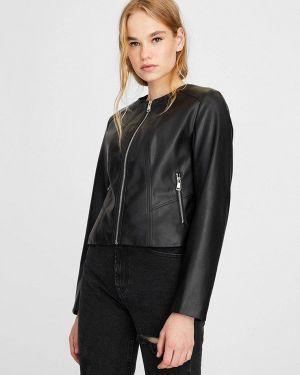 Кожаная куртка черная осенняя Stradivarius