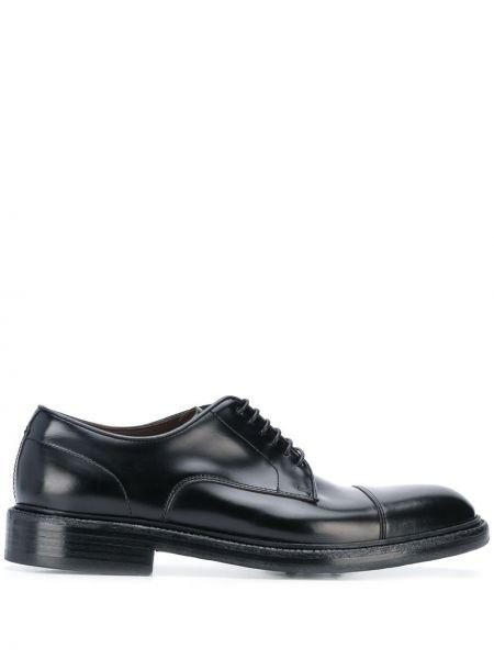 Черные туфли на шнуровке на каблуке Green George