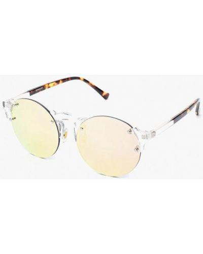 Белые солнцезащитные очки Vitacci