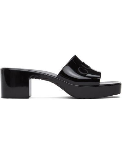 Czarny sandały plac na pięcie wytłoczony Gucci