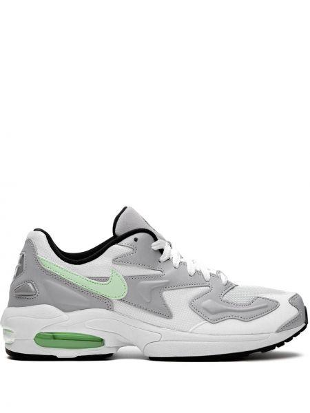 Черные кроссовки с сеткой Nike