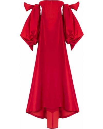 Открытое шелковое красное платье Carolina Herrera