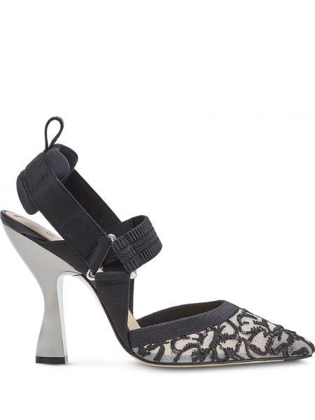Czarny skórzany sandały na obcasie obcasy na pięcie z ostrym nosem Fendi