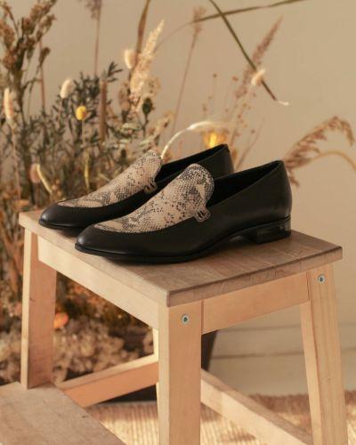 Черные кожаные туфли на каблуке Vagabond