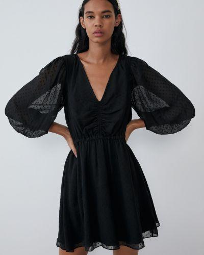 Черное платье мини с длинными рукавами с V-образным вырезом Zara