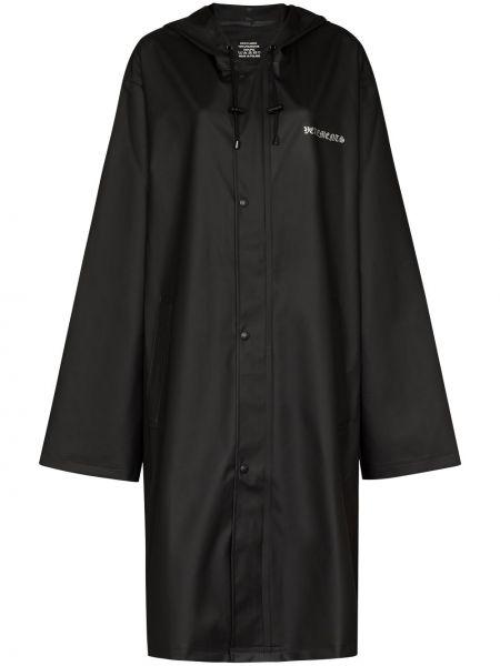 Czarny płaszcz przeciwdeszczowy z długimi rękawami z printem Vetements