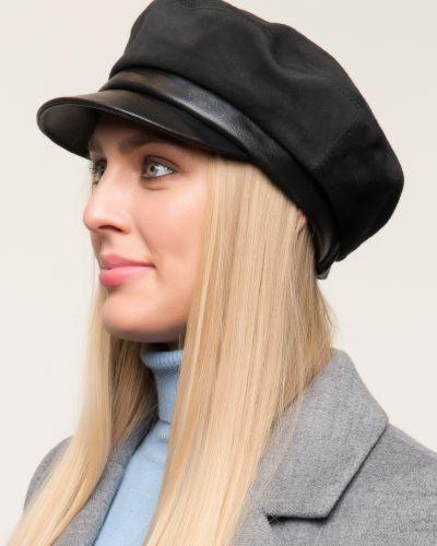 Кожаная кепка - черная планже