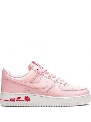 Розовые кожаные кроссовки на шнуровке Nike