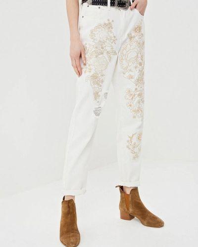 Белые джинсы Glamorous