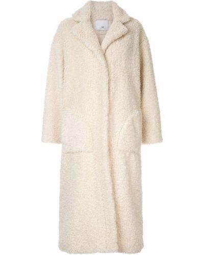 Белое длинное пальто с капюшоном C&m